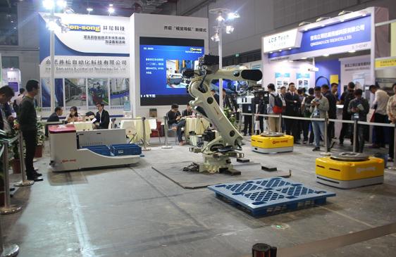 海康机器人全新叉取式机器人重磅三连发