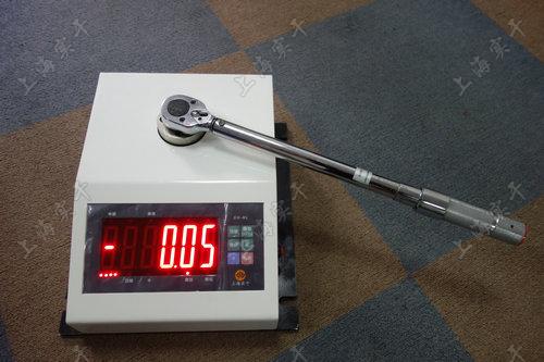 扭扭矩扳手校验仪实物图